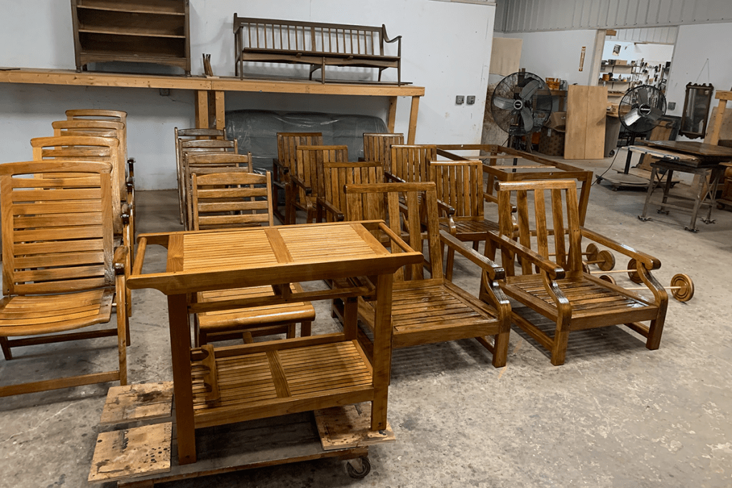 refinishing to protect outdoor wood furniture